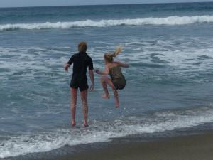 BeachKidsJumpFiji